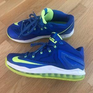Men's Nike sneakers size 8.5